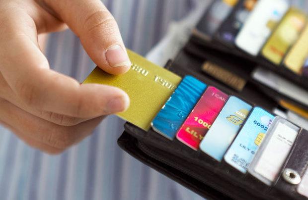 Kredit kartı almaq üçün gəliriniz nə qədər olmalıdır? – CƏDVƏL