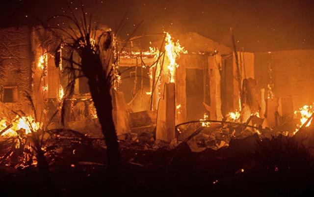 Beşotaqlı ev yandı
