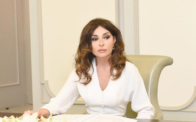 """""""Siz bir çoxları üçün nümunəsiz..."""" - Mehriban Əliyeva"""