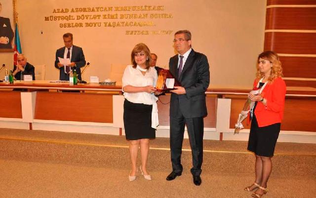 Jurnalistlər Qaradağda mükafatlandırıldı - Fotolar
