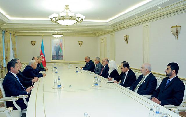Oqtay Əsədov Omanın Dövlət Şurasının sədri ilə görüşdü
