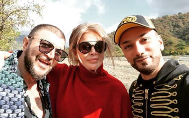 """Aygün Kazımova """"ortada qaldı"""" oynadı - Video"""