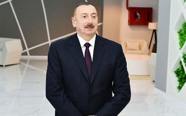İlham Əliyev şpris zavodunun açılışında