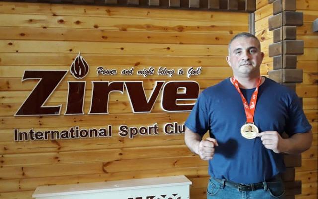 Dəmiryolçu-idmançı beynəlxalq turnirin qalibi olub - Foto