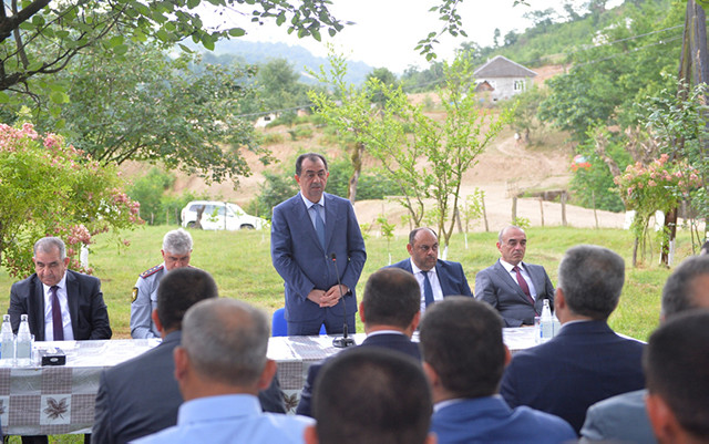 Taleh Qaraşov ucqar kənd sakinləri ilə görüşdü