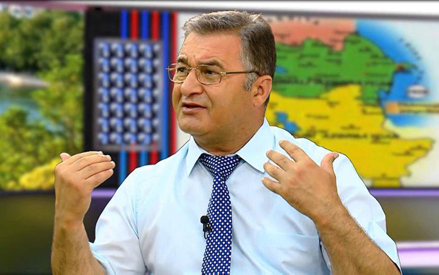 Prezident Müsavatçı alimi təltif etdi - Foto