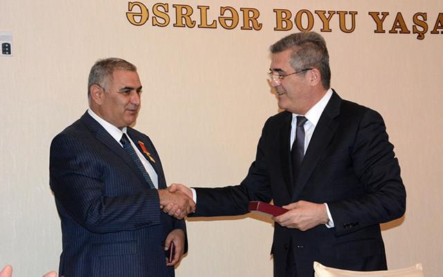 Süleyman Mikayılov iclas keçirdi - Fotolar