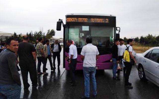 Sumqayıtda avtobus sürücüsü sükan arxasında öldü - Video